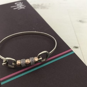 Hiho Silver CZ Cherry Roller Bangle